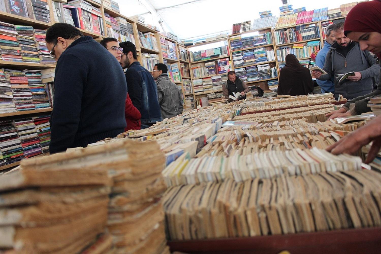 بلغ إجمالى المبيعات بجناح هيئة الكتاب أمس بمعرض القاهرة الدولى للكتاب (49)  122820 ألف جنيه 1
