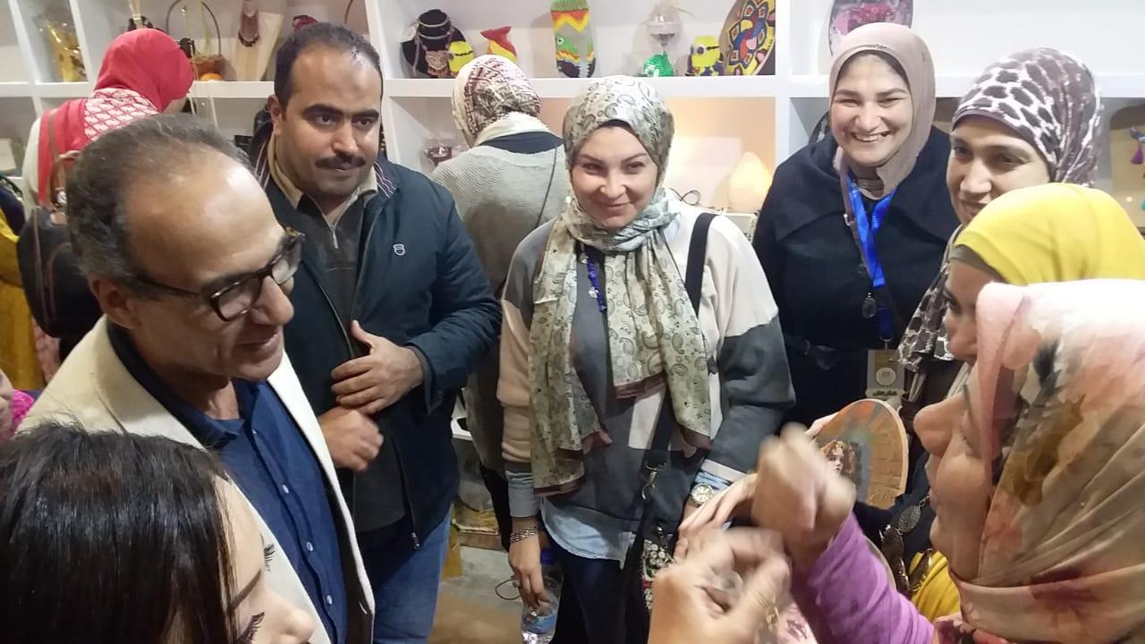 هيثم الحاج بجناح المجلس القومى لشؤون ذوى الإعاقة 2